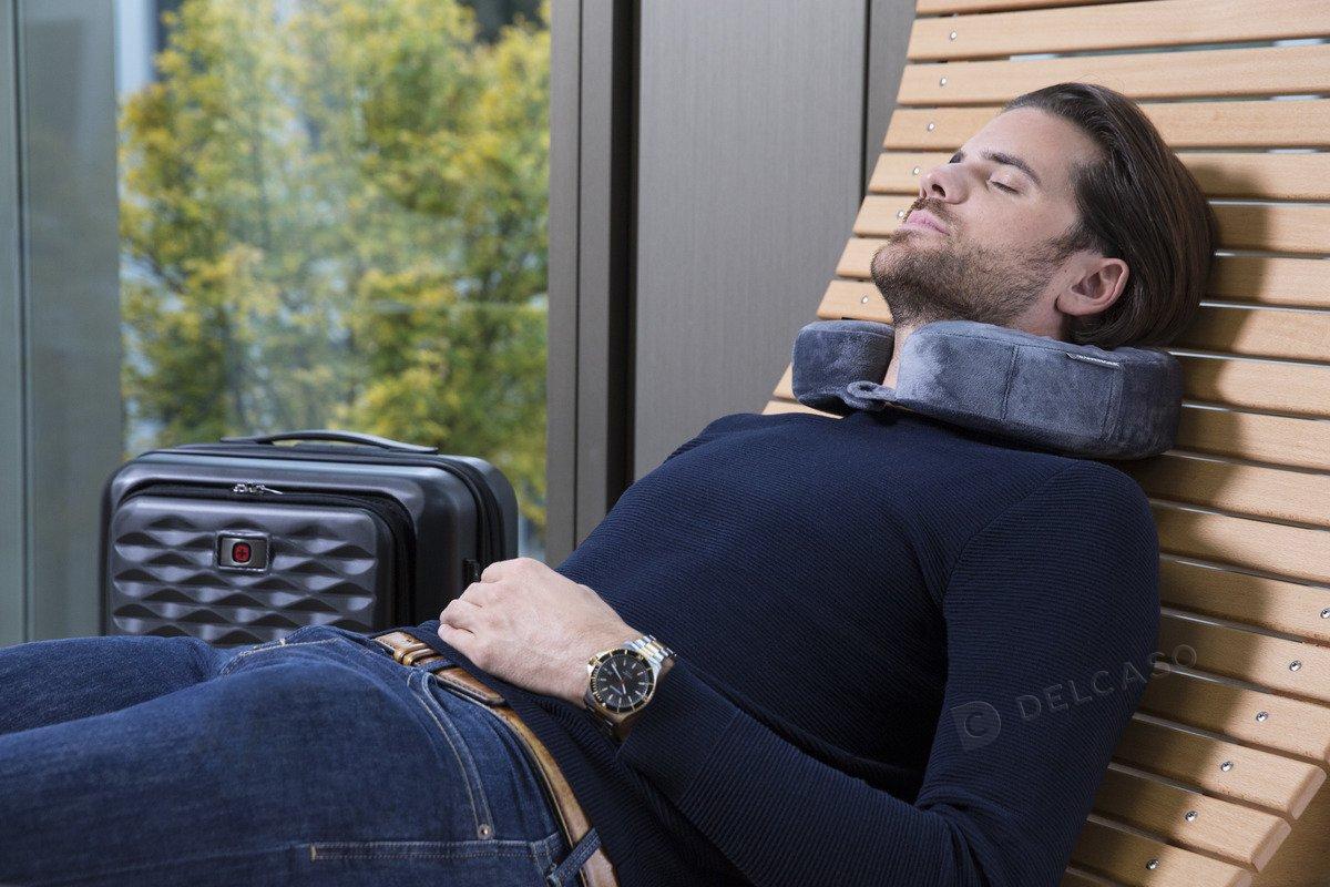 Poduszka podróżna z pamięcią kształtu Wenger szara